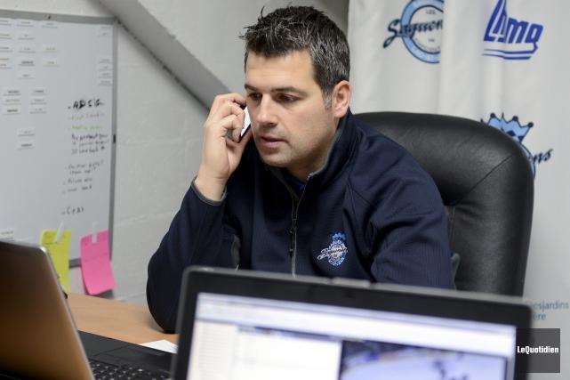 Yanick Jean souhaite que l'équipe continue d'améliorer son... (Archives Le Quotidien, Jeannot Lévesque)