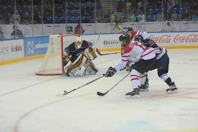 La formation masculine de hockey du Canada a entamé les Universiades d'hiver...