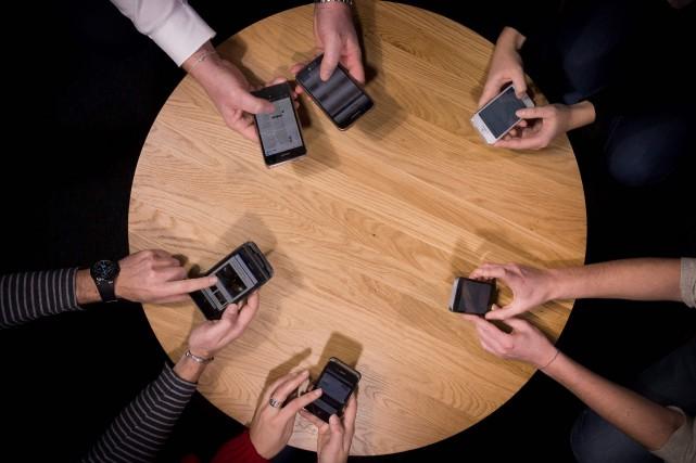 Les Français sont grands consommateurs de numérique mais... (AFP)