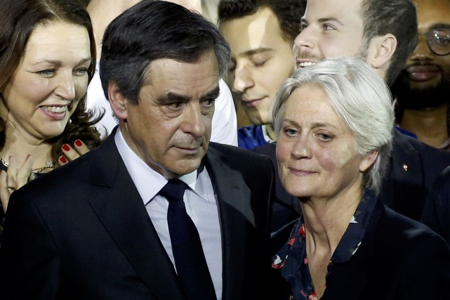 François Fillon et et son épouse Penelope Fillon.... (ARCHIVES REUTERS)