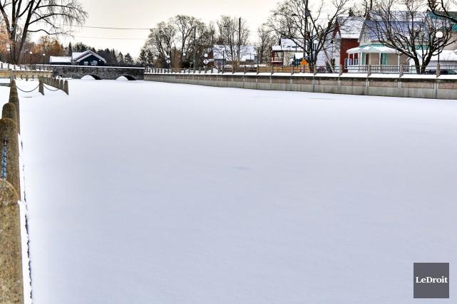 Il n'y aura pas de patinoire cet hiver... (Simon Séguin-Bertrand, Archives Le Droit)