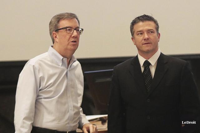 Le maire Jim Watson et le conseiller Tim... (Etienne Ranger, Le Droit)