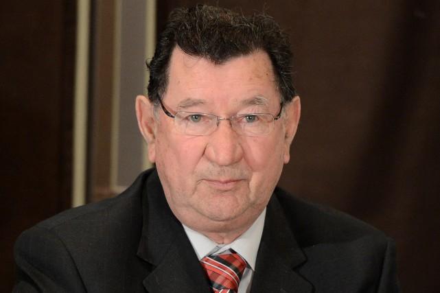 Le maire, Gérard Savard....