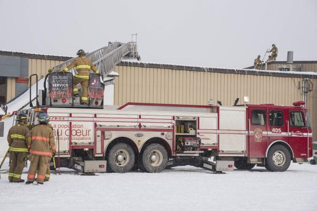 Les pompiers sont intervenus mercredi après-midi à l'entreprise... (Spectre Média, Frédéric Côté)