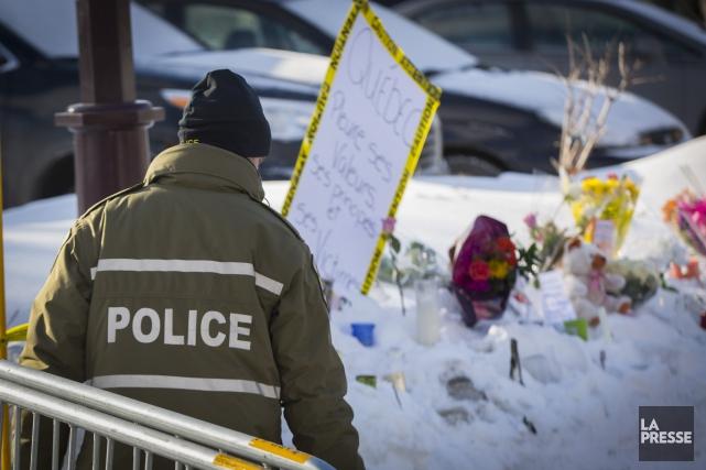Un policier de la Sûreté du Quebec se... (La Presse, Olivier Jean)