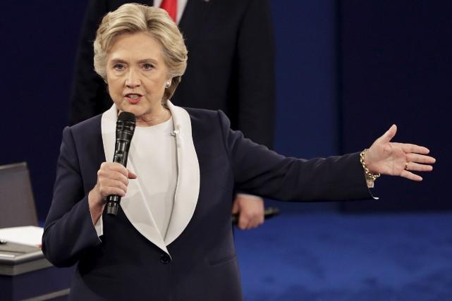 Hillary Clinton travaille à un livre qui s'inspirera... (AP, John Locher)
