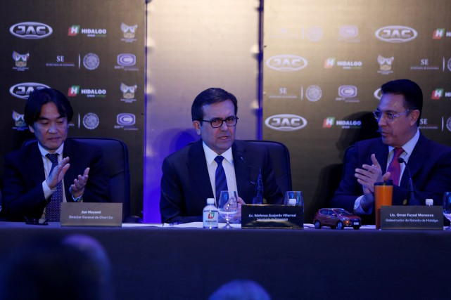 L'annonce de ce partenariat a été faite par... (Photo Carlos Jasso, REUTERS)