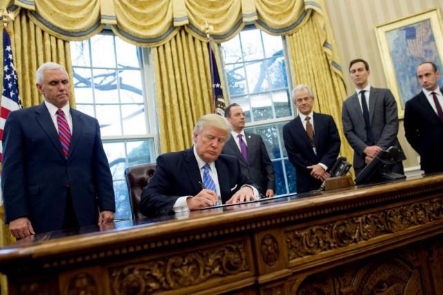 Le président Donald Trump a retiré les États-Unis... (PHOTO SAUL LOEB, AGENCE FRANCE-PRESSE)