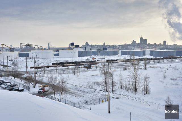 Le scénario d'aménagement du projet d'agrandissement du Port... (Photothèque Le Soleil, Patrice Laroche)