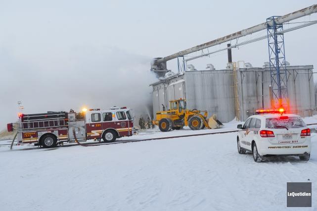 Un incendie s'est déclaré à 4h30, jeudi matin,... (Photo Le Quotidien, Gimmy Desbiens)