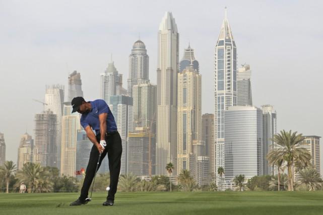 Tiger Woods a éprouvé toutes sortes d'ennuis, jeudi,... (Photo Kamran Jebreili, AP)