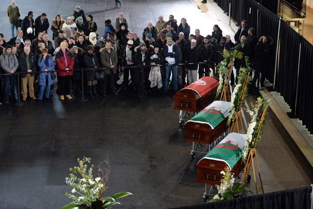 Les funérailles d'Abdelkrim Hassane, Khaled Belkacemi et Aboubaker... (Photo Paul Chiasson, La Presse Canadienne)
