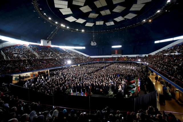 Près de 5000 personnes se sont réunies dans... (AFP, Chris Wattie)