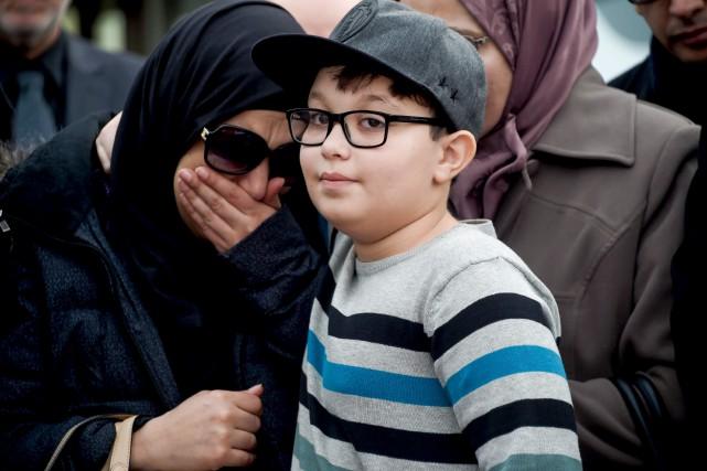 Khadija et Mohamed, la femme et le fils... (AFP, Fethi Belaid)