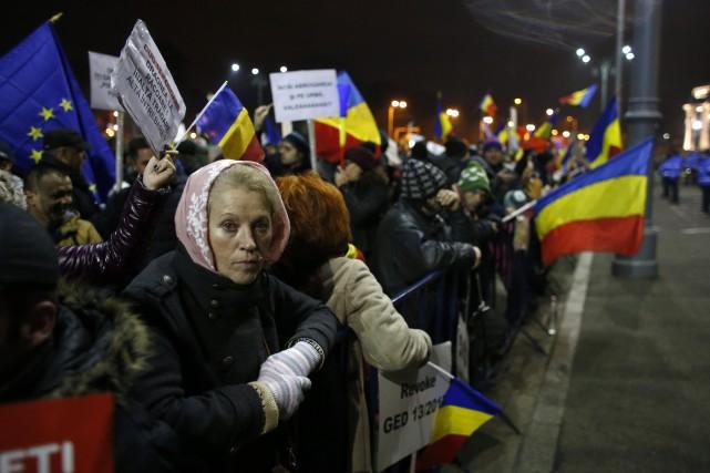 Les manifestations quotidiennes ont rassemblé quelque 200 000... (Photo Darko Bandic, AP)