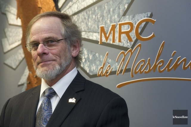 On voit ici le maire Michel Isabelle.... (Stéphane Lessard, Le Nouvelliste)
