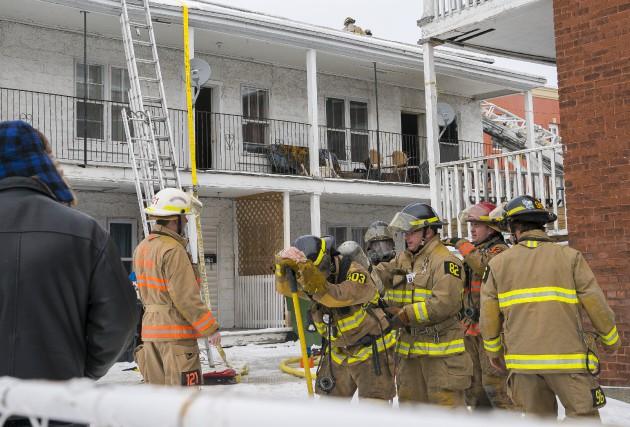 Un incendie a pris naissance dans un immeuble... (Spectre Média, Marie-Lou Béland)