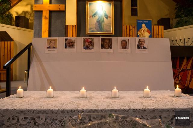 Six bougies ont été allumées en l'honneur des... (Olivier Croteau, Le Nouvelliste)