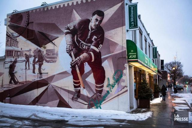 Une murale en l'honneur de Maurice Richard, peint... (PHOTO OLIVIER PONTBRIAND, LA PRESSE)
