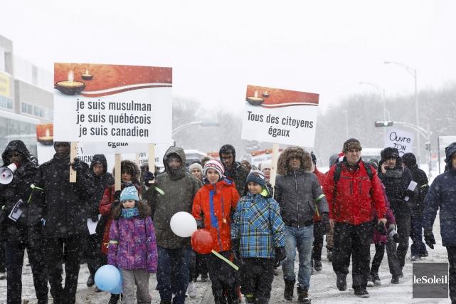 La marche a commencé à l'Université Laval vers... (Le Soleil, Caroline Grégoire)
