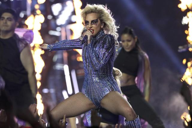 Lady Gaga lors de sa prestation au Super... (PHOTO REUTERS)