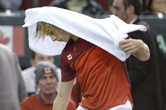 Le Canadien Denis Shapovalova été disqualifié après avoir... (Photo Justin Tang, PC)