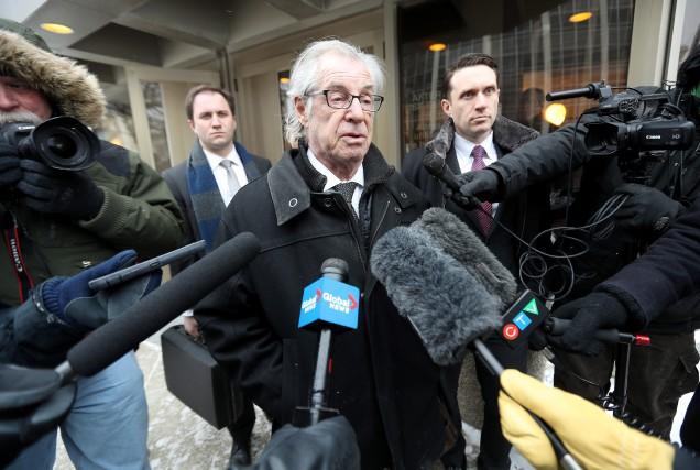 L'avocat d'Andrea Giesbrecht s'adresse aux médias.... (Photo La Presse Canadienne)