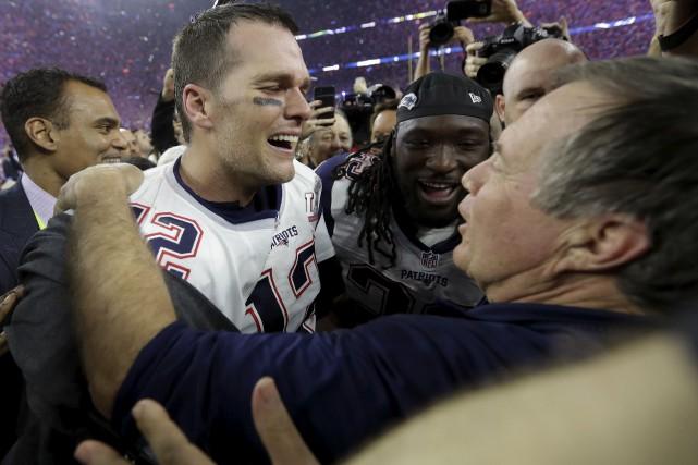 Tom Brady et Bill Belichick est le seul... (AP, David J. Phillip)