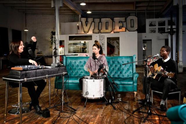 Interprétée par ArianeMoffatt, KarimOuellet et LaBronze, la chanson... (Photo Bernard Brault, La Presse)
