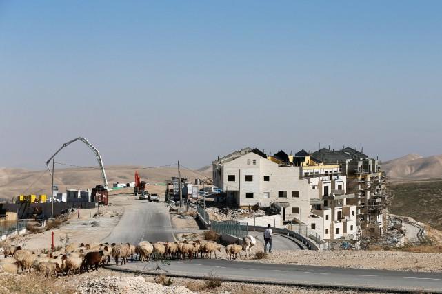 Construction dans des colonies israéliennes en Cisjordanie.... (Photo Ammar Awad, ARCHIVES REUTERS)