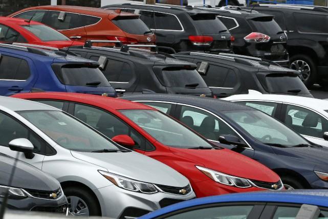 Les ventes de véhicules automobiles au Canada pourraient ralentir en 2017 après... (PHOTO Gene J. Puskar, ARCHIVES AP)