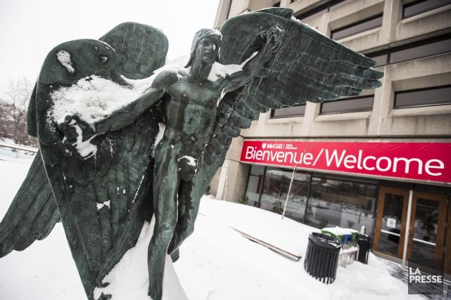 L'Université McGill allonge les délais d'inscription à certains... (PHOTO OLIVIER PONTBRIAND, LA PRESSE)
