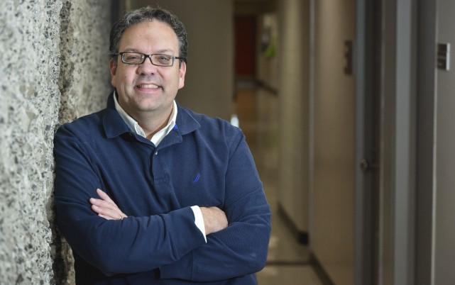 Le professeur David Crête.... (François Gervais)