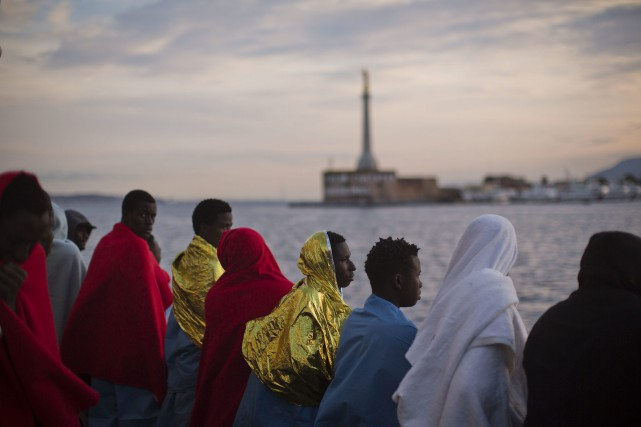 L'Italie a vu débarquer plus de 500 000 migrants depuis... (Photo Emilio Morenatti, Archives AP)