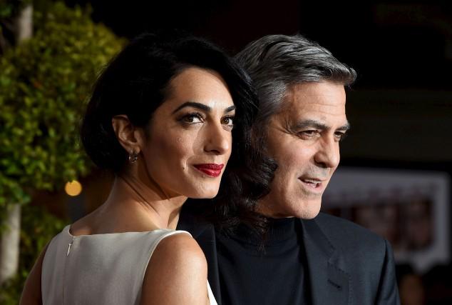 Amal et George Clooney à Westwood, en Californie,... (AFP, Valerie Macon)