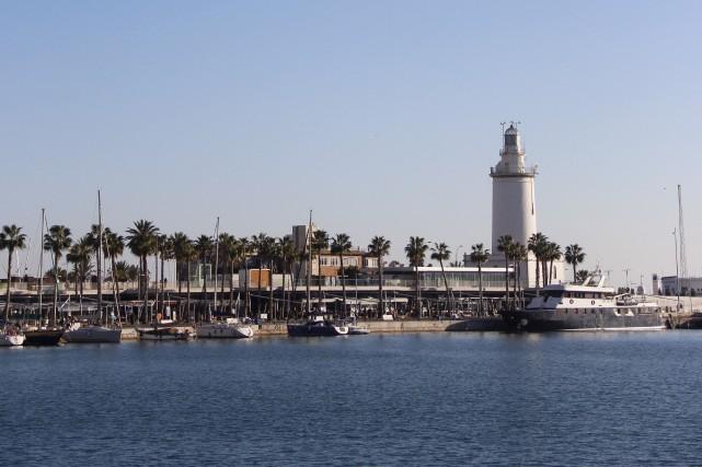 Le port de Malaga donne sur la Méditérannée.... (La Presse, Violaine Ballivy)