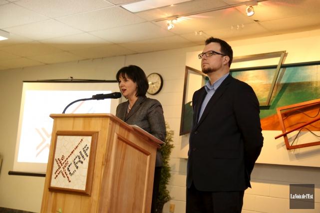 La directrice Danielle Faubert et François Lemay, président... (Julie Catudal, La Voix de l'Est)