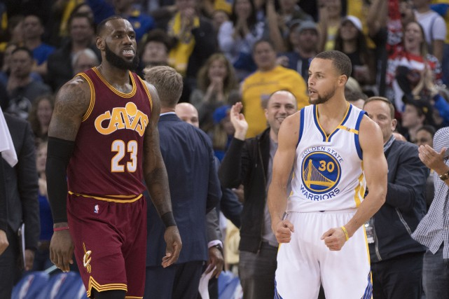 LeBron James et Stephen Curry ont critiqué hier... (Photo Kyle Terada, USA Today Sports)