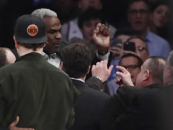 Charles Oakley, ancien joueur des Knicks dans les... (Photo Frank Franklin II, AP)