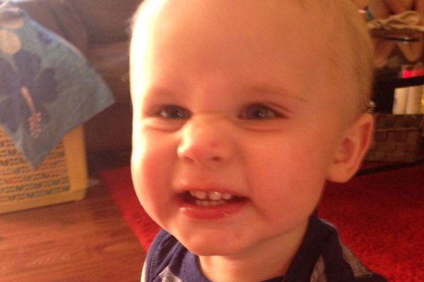 L'enfant repose toujours dans un état critique après... (Tirée de Gofundme.com)