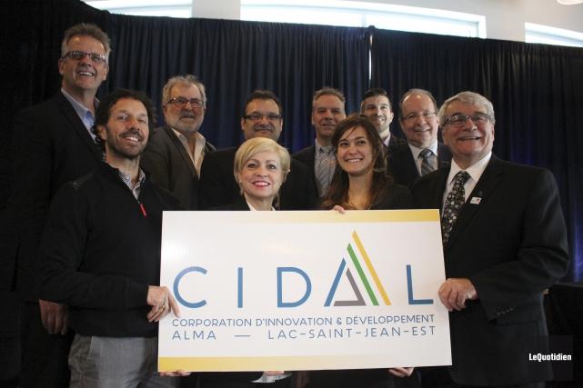 Le tout premier conseil d'administration de la CIDAL... (Photo Le Quotidien, Isabelle Tremblay)