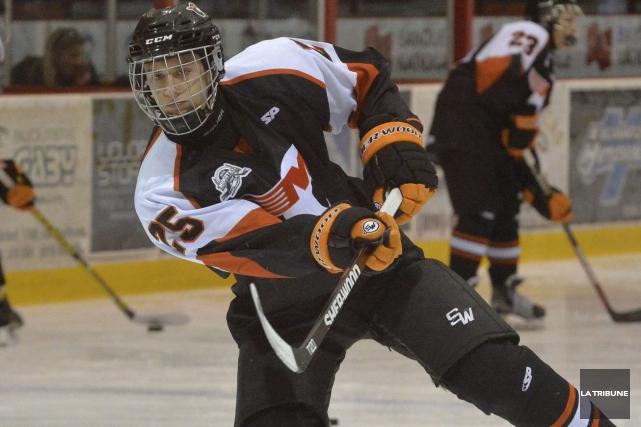 Dans les sphères du hockey, le défenseur de... (Archives, La Tribune)