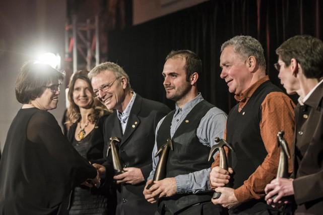 Cinq lauréats ont reçu leur trophée dans la... (Spectre Média, Jessica Garneau)
