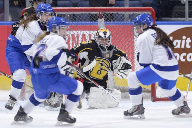 Les joueuses de la sélection féminine du Québec... (Le Soleil, Yan Doublet)