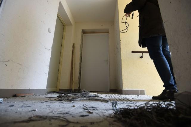 Des perquisitions ont permis aux enquêteurs de découvrir... (AFP, SYLVAIN THOMAS)