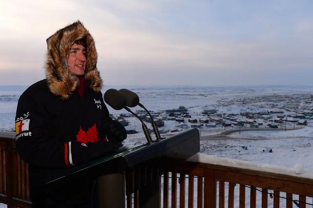 Justin Trudeau, à Iqaluit,lors de son passage dans... (La Presse canadienne, Sean Kilpatrick)