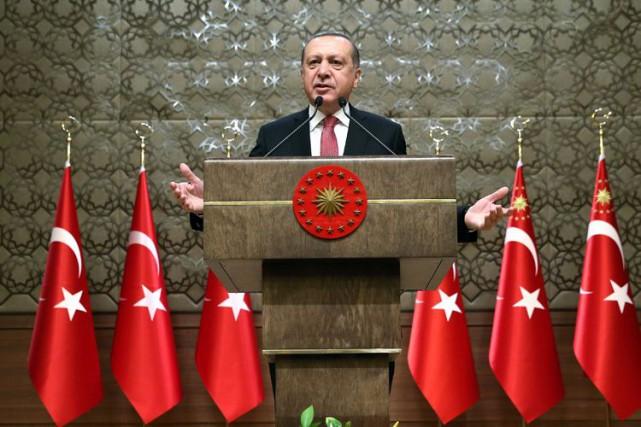 Erdogan estime qu'une réforme constitutionnelle, qui pourrait lui... (PHOTO REUTERS)
