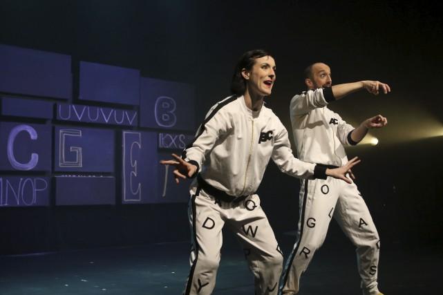 Les danseurs Ariane Boulet et Alex Parenteau, dans... (Patrick Woodbury, Le Droit)