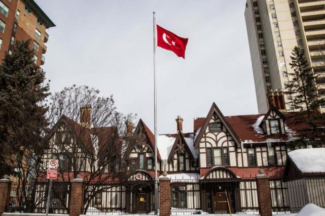 Trois employés de l'ambassade turque à Ottawa ont... (photoSimon Séguin-Bertrand, le droit)