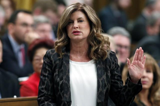 Rona Ambrose indique aupremier ministre Justin Trudeau qu'il... (La Presse canadienne)